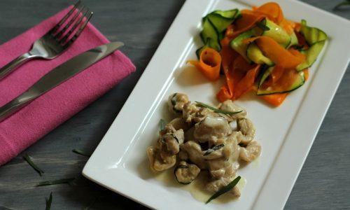 Sauté de poulet à l'estragon et tagliatelles de légumes