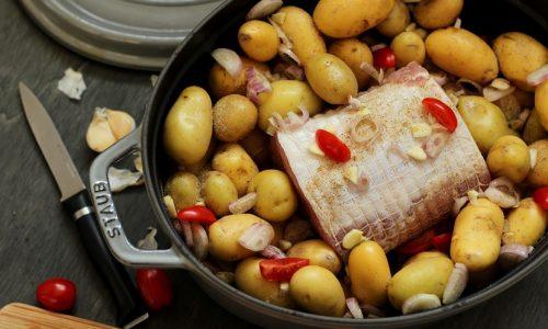 Rôti de porc saumuré et pommes de terre grenaille